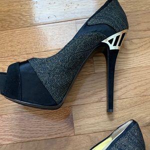 Nine West Chances black/gold peep toe heel.
